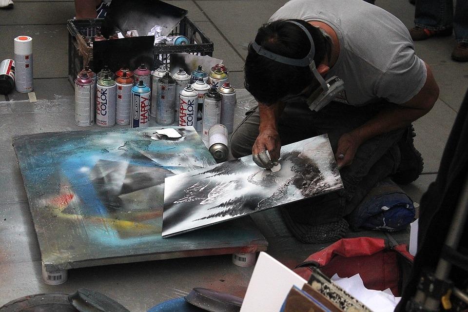 A cikkben az utcai festésen kívül sok más festési technikát mutatunk be.