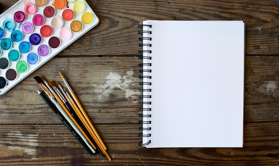 Az adott festési technika alapján érdemes kiválasztanod a papírt, illetve a vásznat.