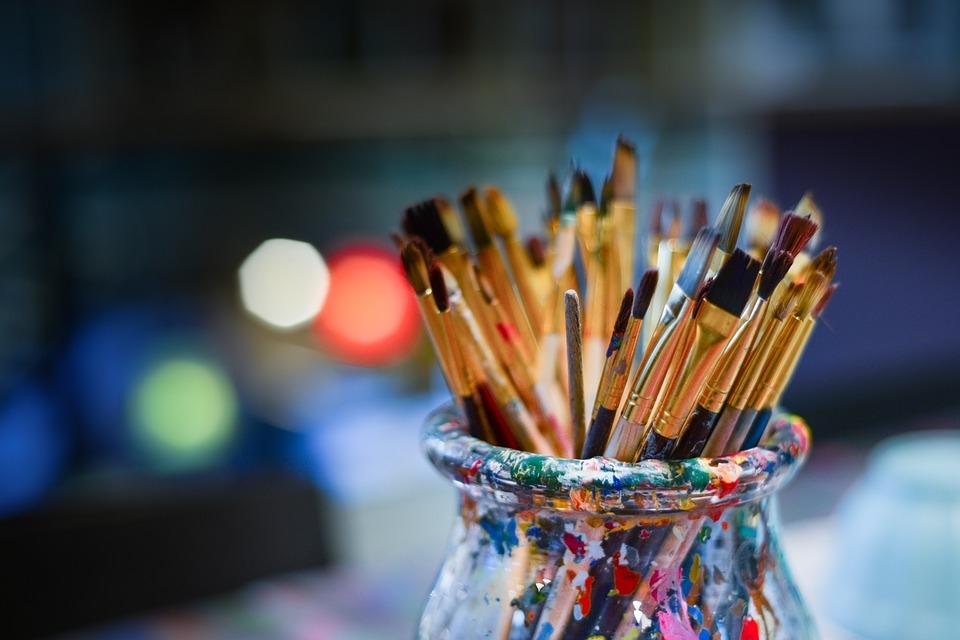 A különböző festési módokhoz érdemes más-más ecsetet használni.