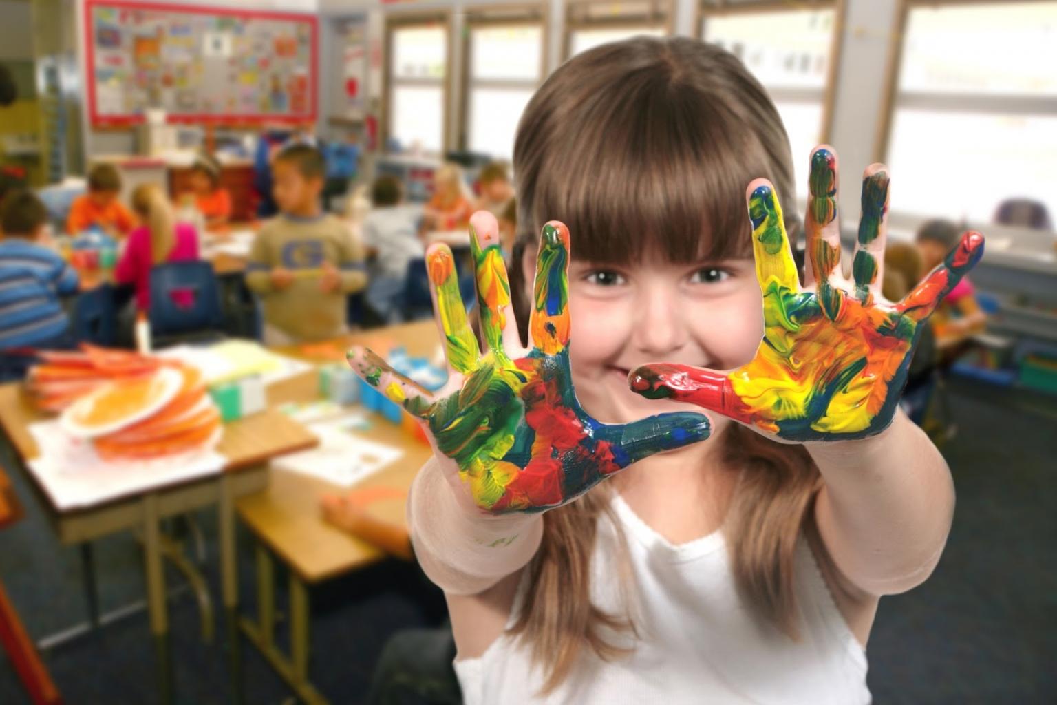 Talán a gyermekek a kézzel festés legnagyobb mesterei.