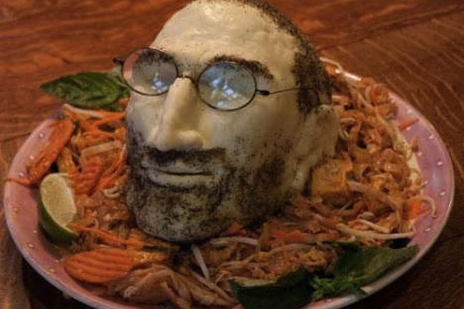 Ehető ételek - Steve Jobs feje mozzarellából